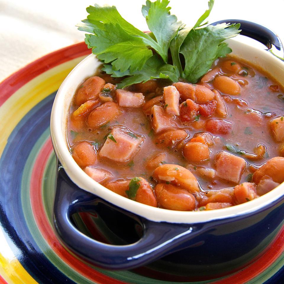 Easy Cowboy Beans (Frijoles Charros) lutzflcat