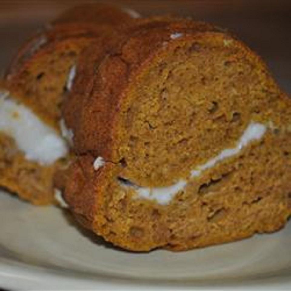 Gluten-Free Pumpkin Cream Cheese Cake chantel