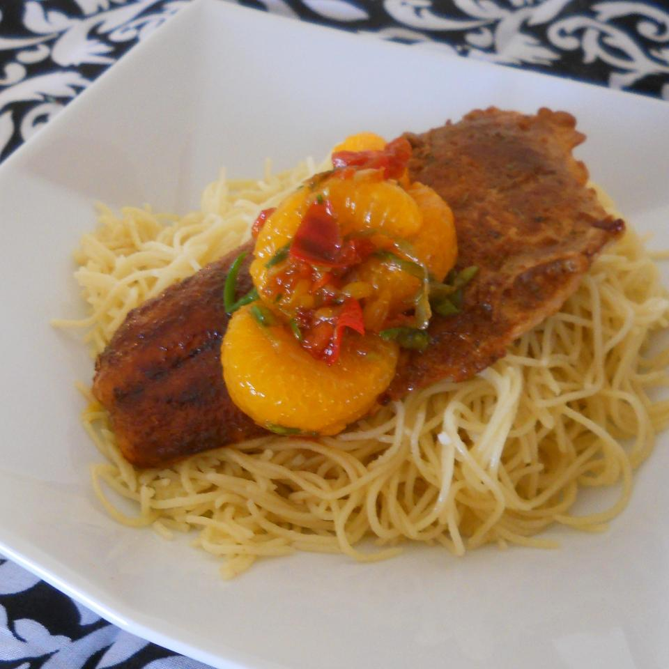 Sweet and Spicy Salmon with Grapefruit Salsa Rae