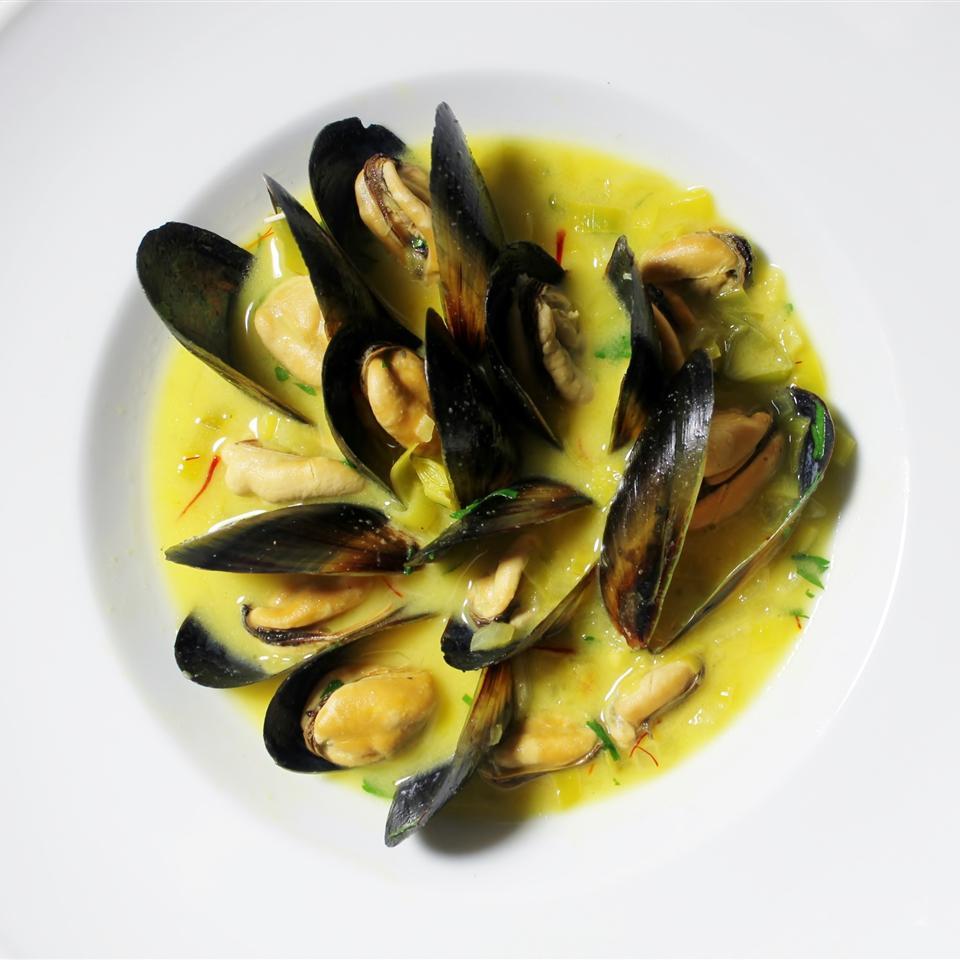 Saffron Mussel Bisque Aja