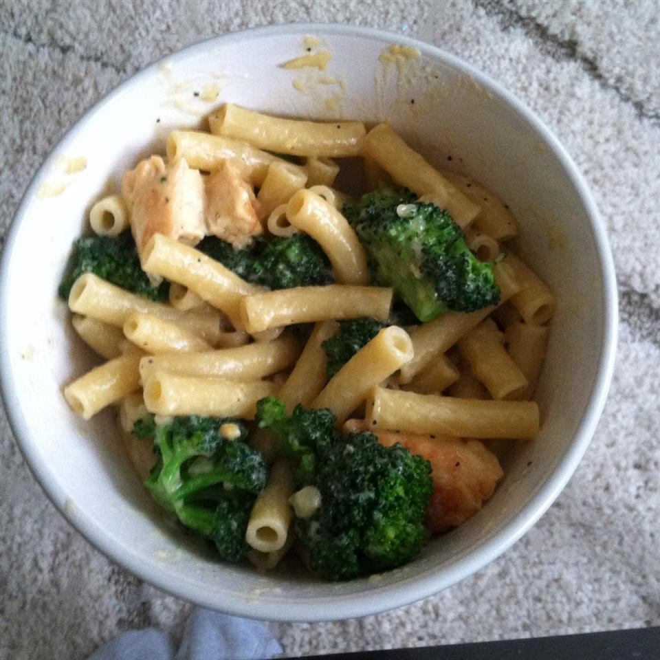 Ziti Chicken and Broccoli Lisa Romanello