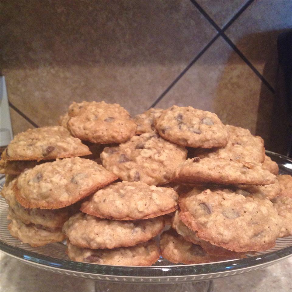 Oatmeal Chocolate Chip Cookies I