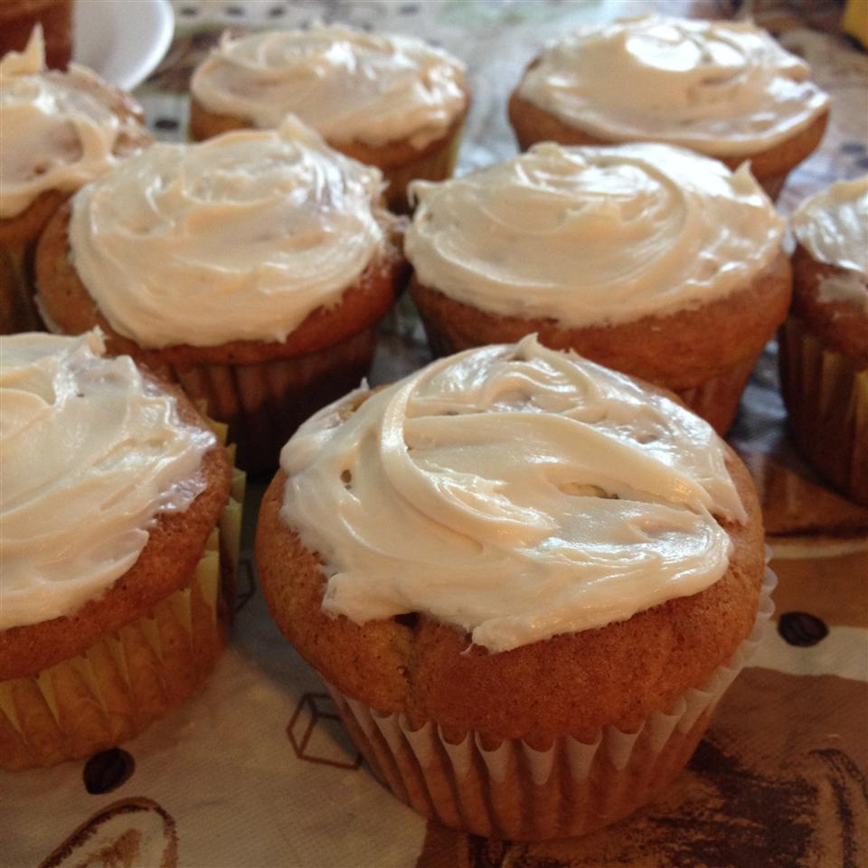 Banana and Vanilla Cupcakes with Buttercream Frosting