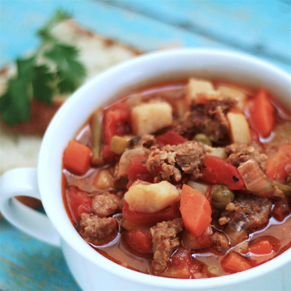 Easy Vegetable Beef Soup with Ground Beef PTRULL
