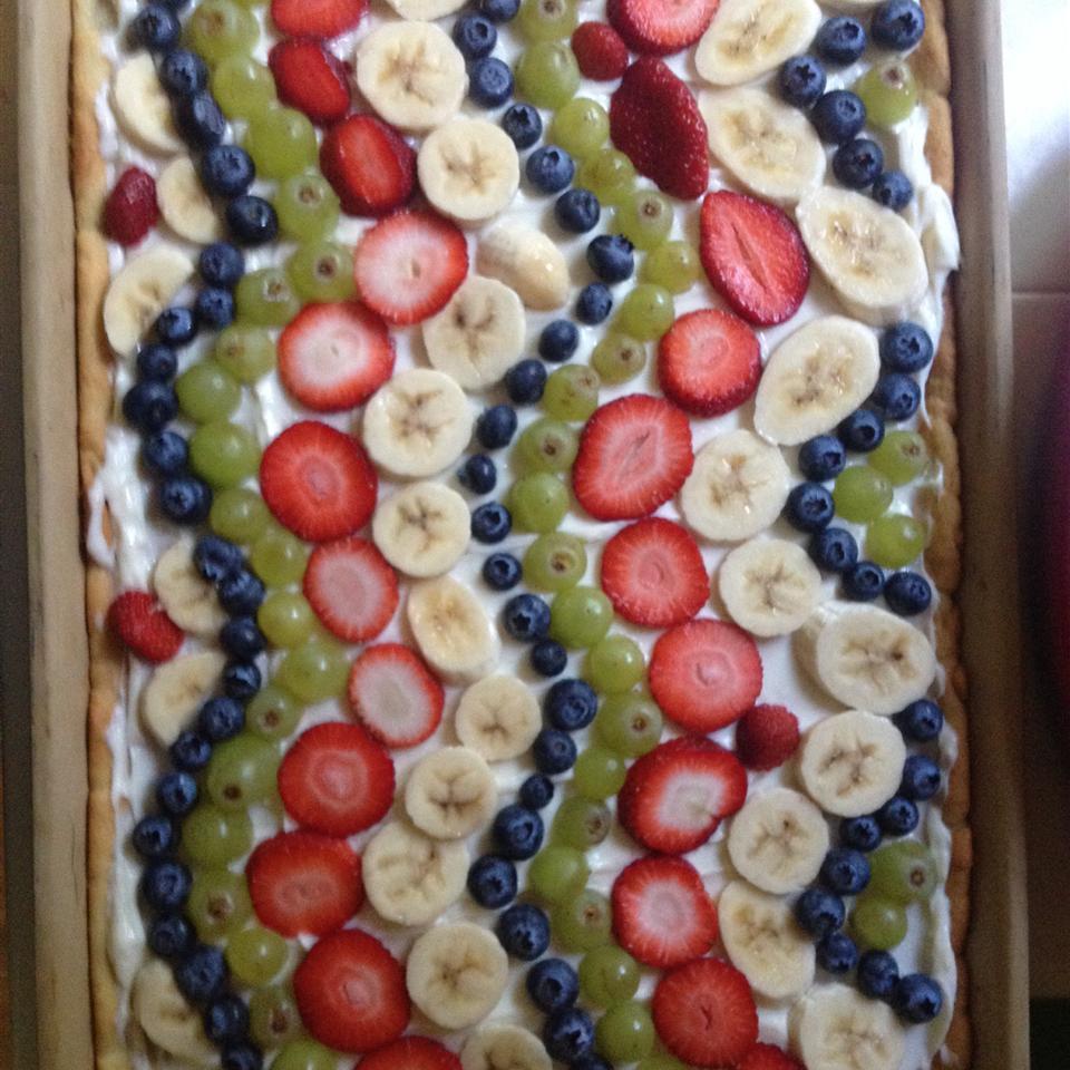 Simple Fruit Pizza laheist