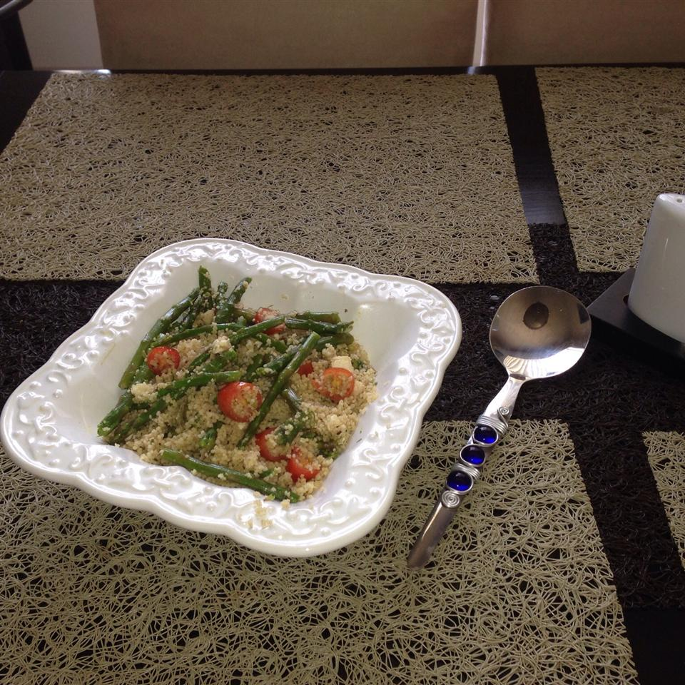 Asparagus, Feta and Couscous Salad Zoegurbuz
