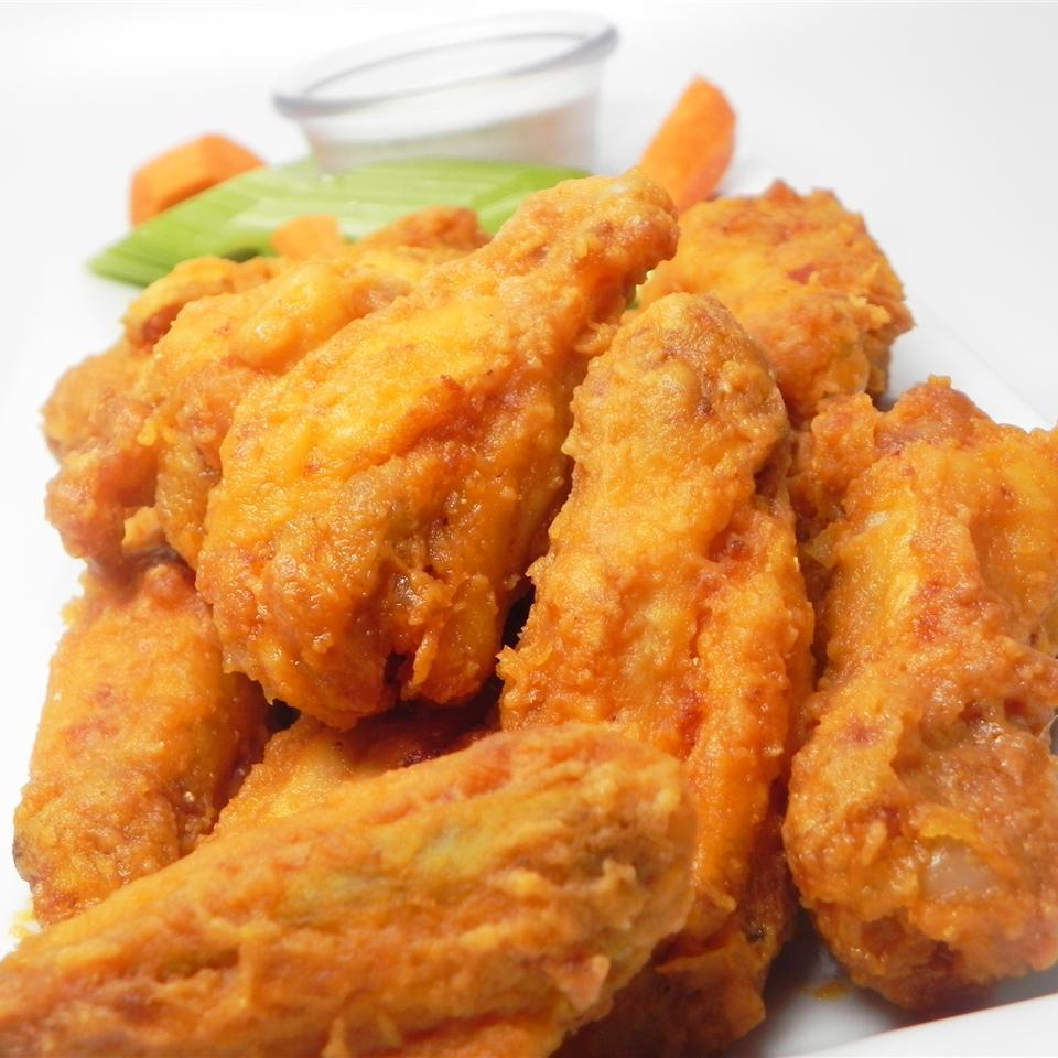 Easy Restaurant-Style Buffalo Chicken Wings
