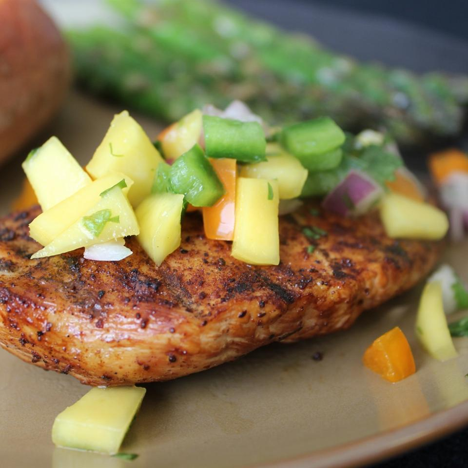 Spicy Grilled Chicken with Mango Salsa mommyluvs2cook