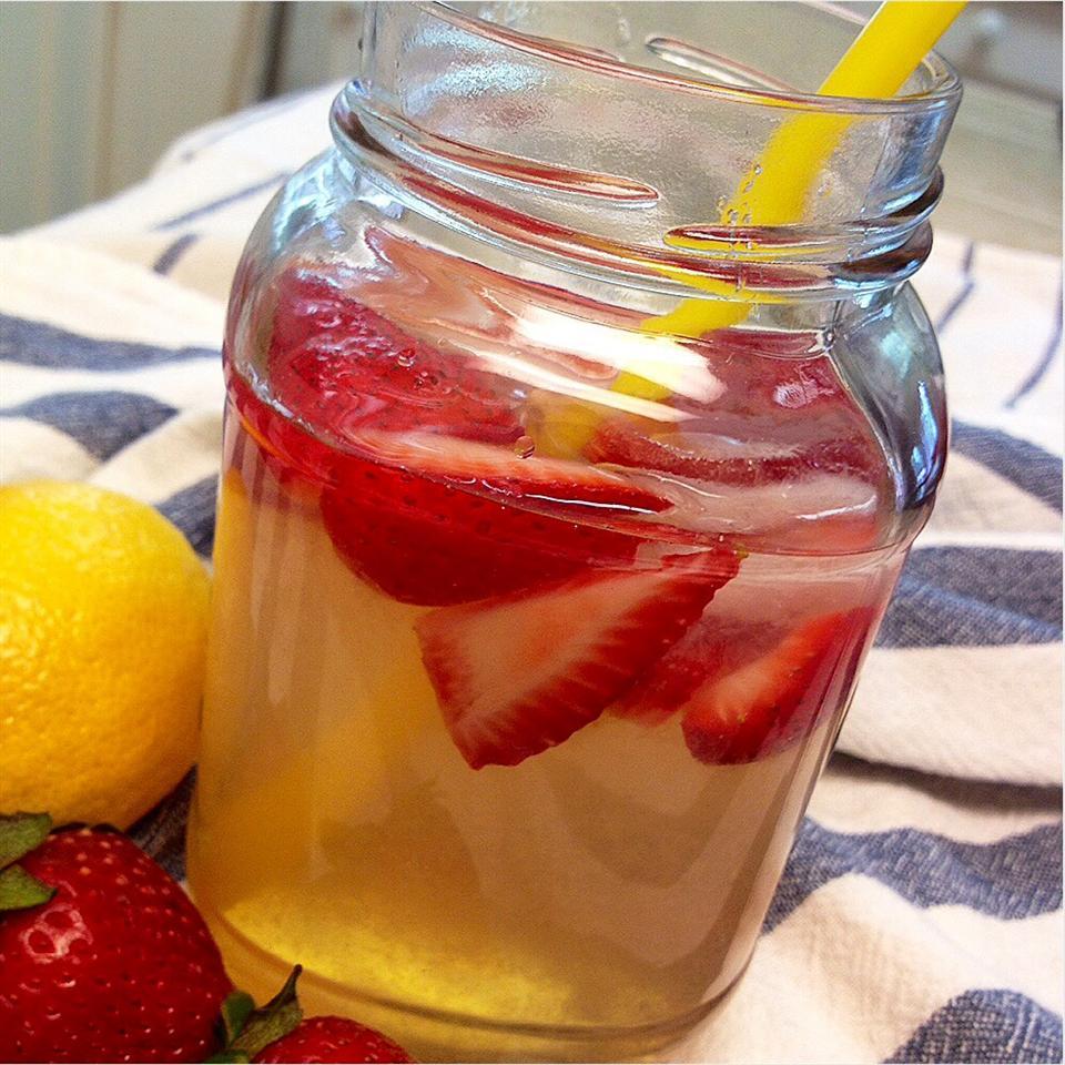 Best Strawberry Lemonade Ever MattOlay V-H