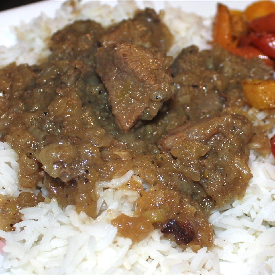 Egyptian Lahma Bil Basal (Beef in Rich Onion Sauce) Marisa R.