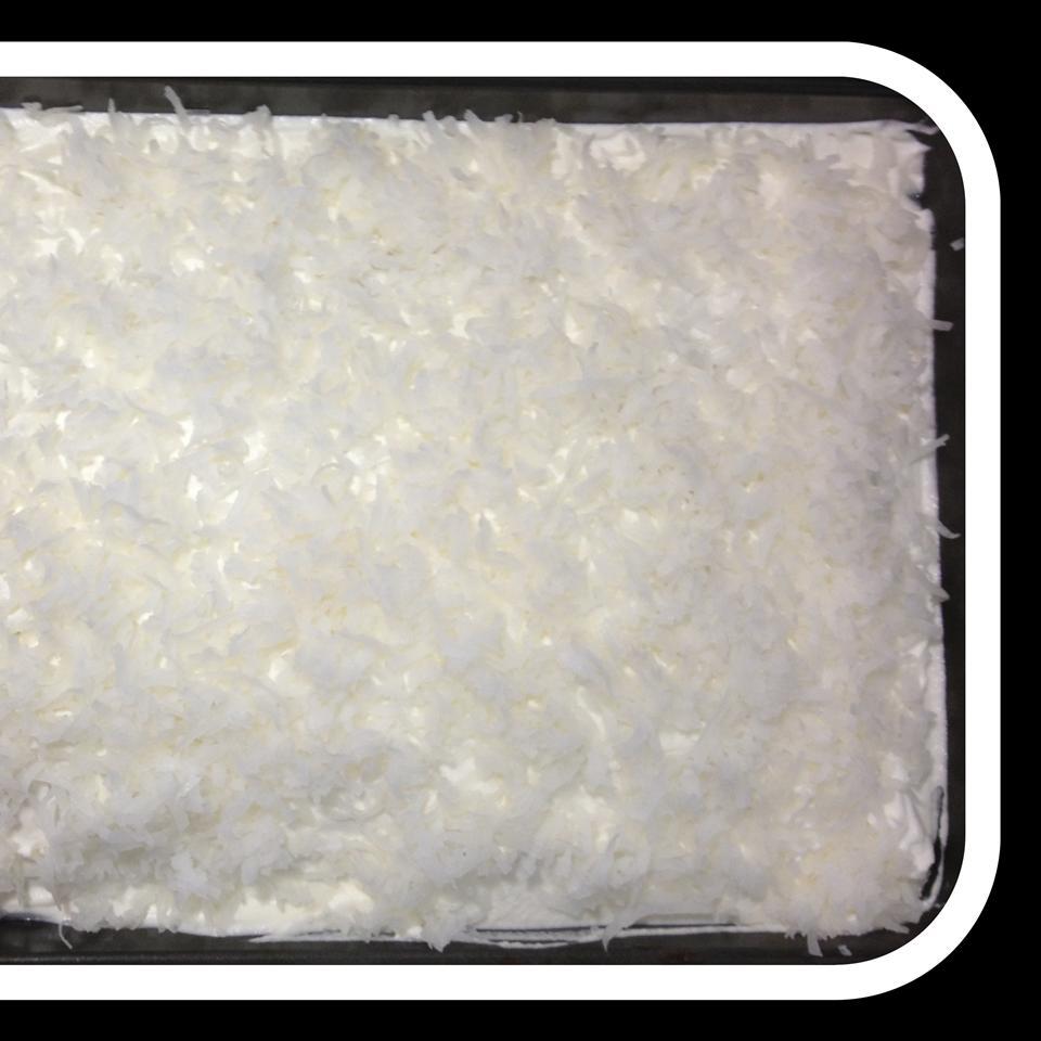 Raspberry Coconut Poke Cake kel7298