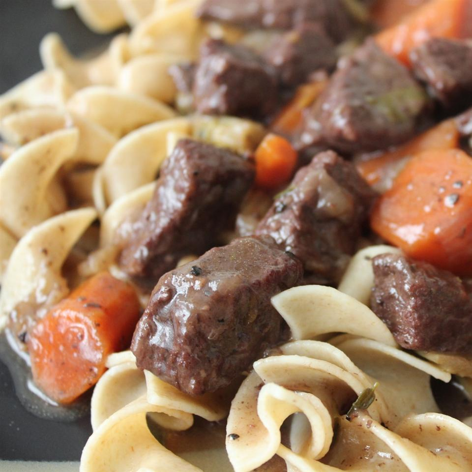 Beef Bourguignon Without the Burgundy mommyluvs2cook