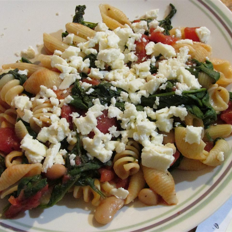 Greek Pasta with Tomatoes and White Beans jeffer5