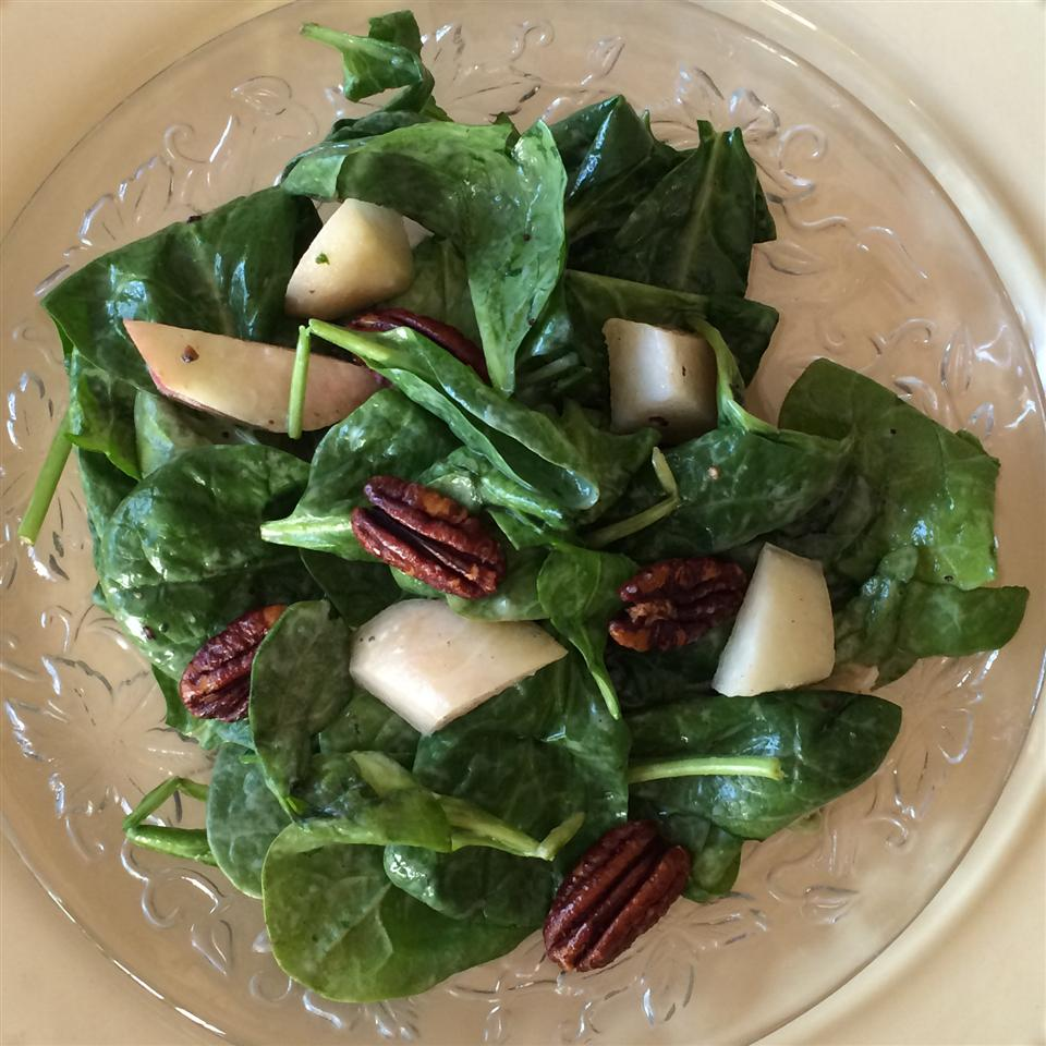 Spinach Salad with Peaches and Pecans