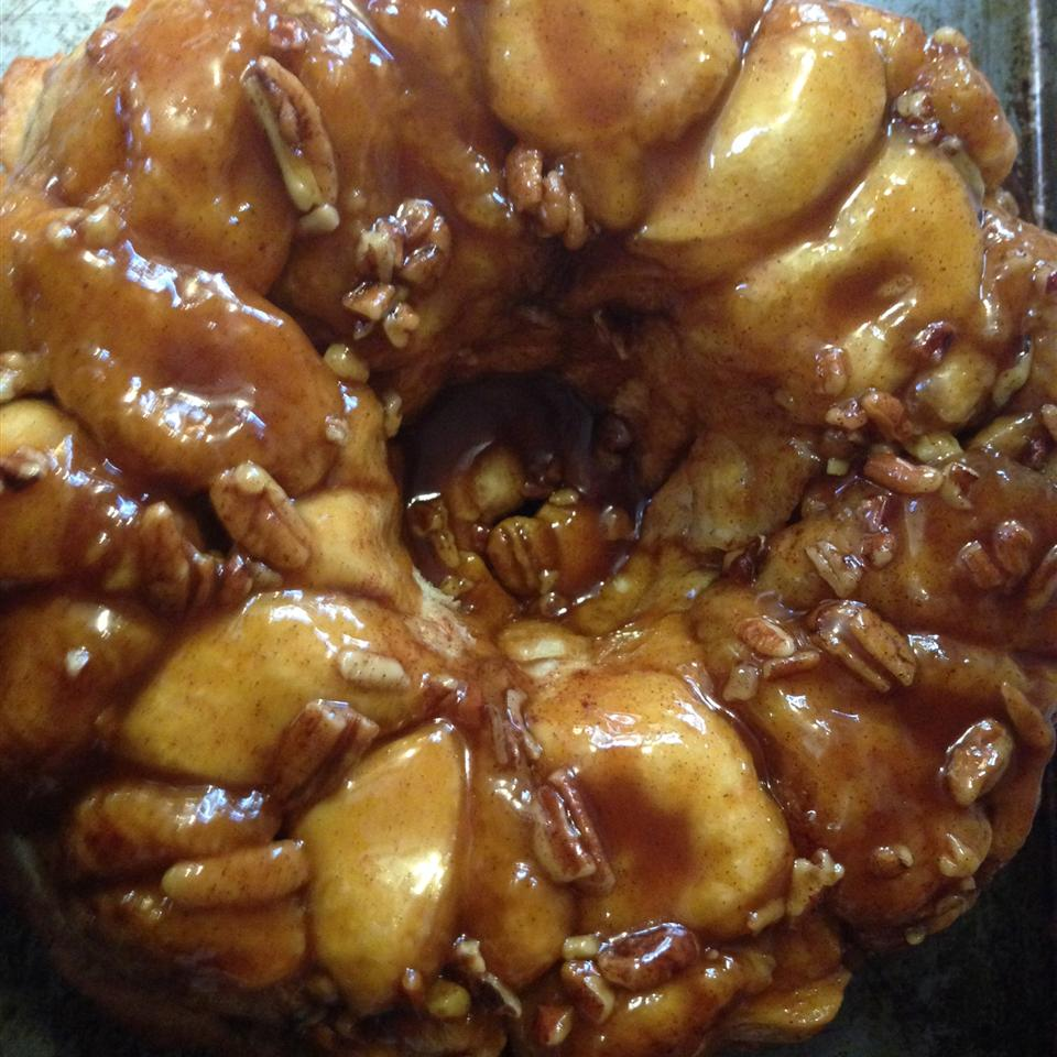 Amazing Monkey Bread Stacy