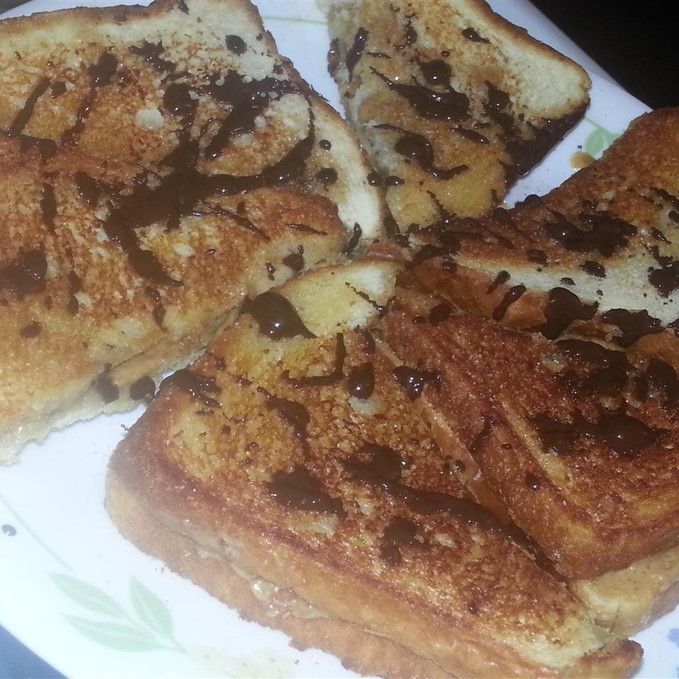 Grilled Peanut Butter and Banana Sandwich jadedgurl