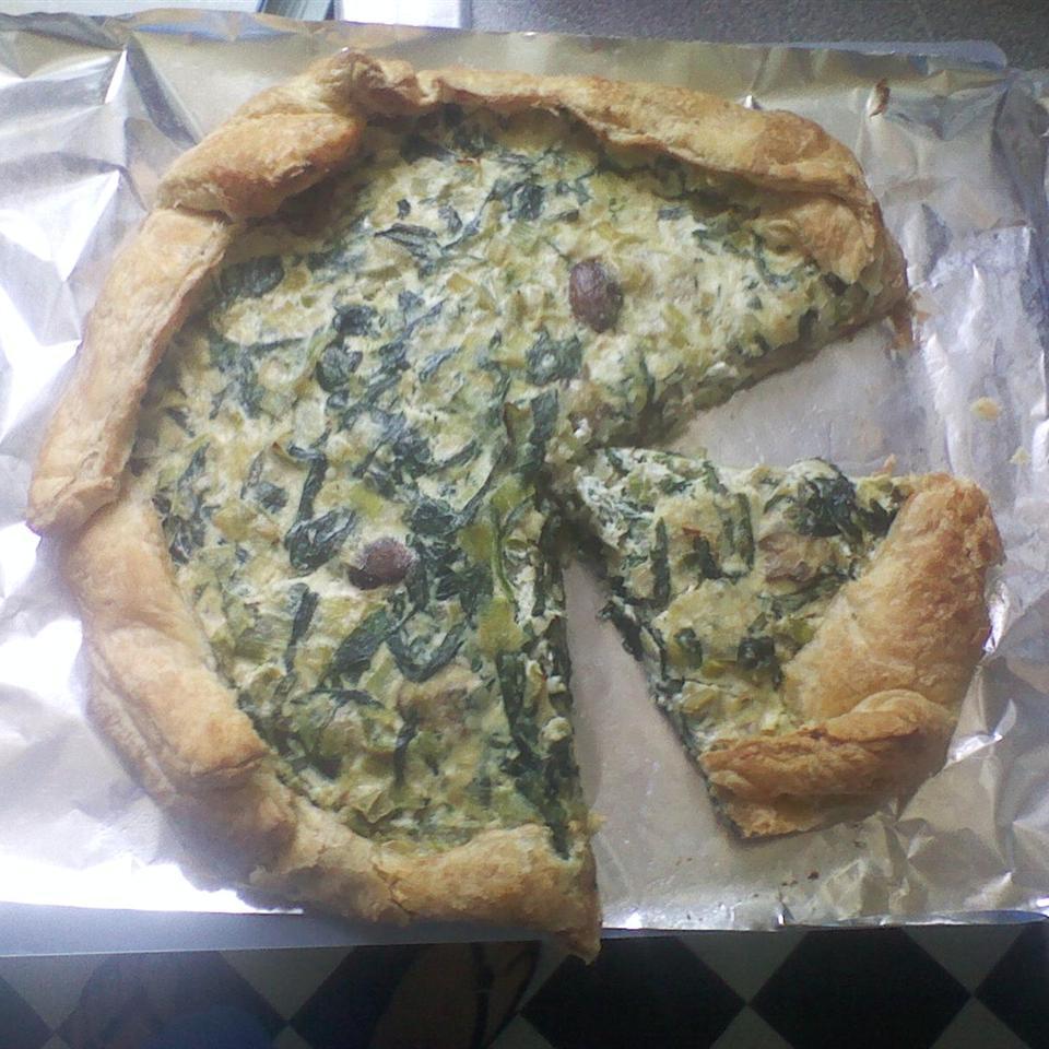 Leek, Spinach, and Mushroom Tart dmk8991