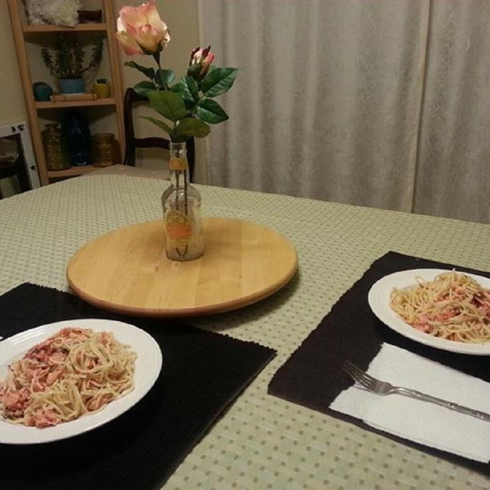 Cheesy Pasta Alfredo with Salmon