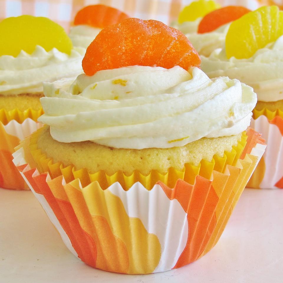 Williamsburg Orange Cake Carol