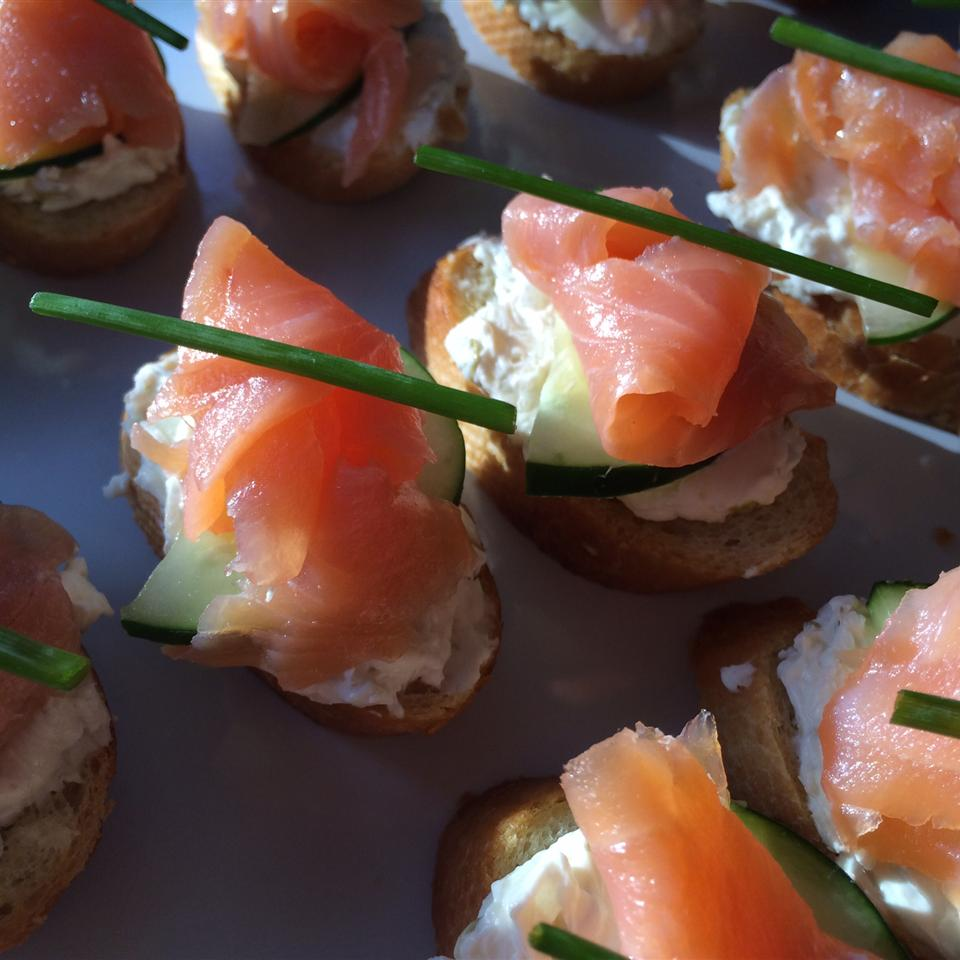 """RITZ """"Everything"""" Bites with Lox and Schmear"""