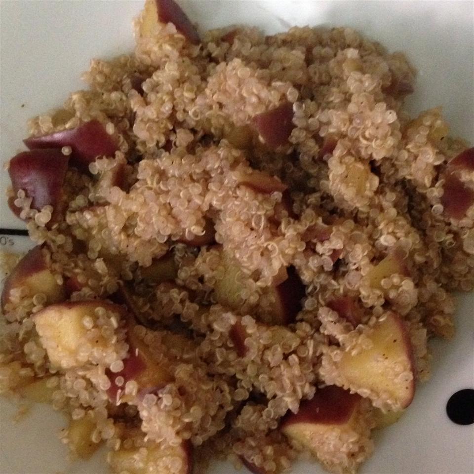Apple Cinnamon Breakfast Quinoa salmahafez89