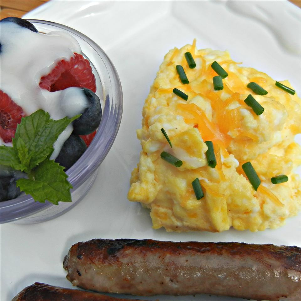 Cheesy Oven Scrambled Eggs amynora