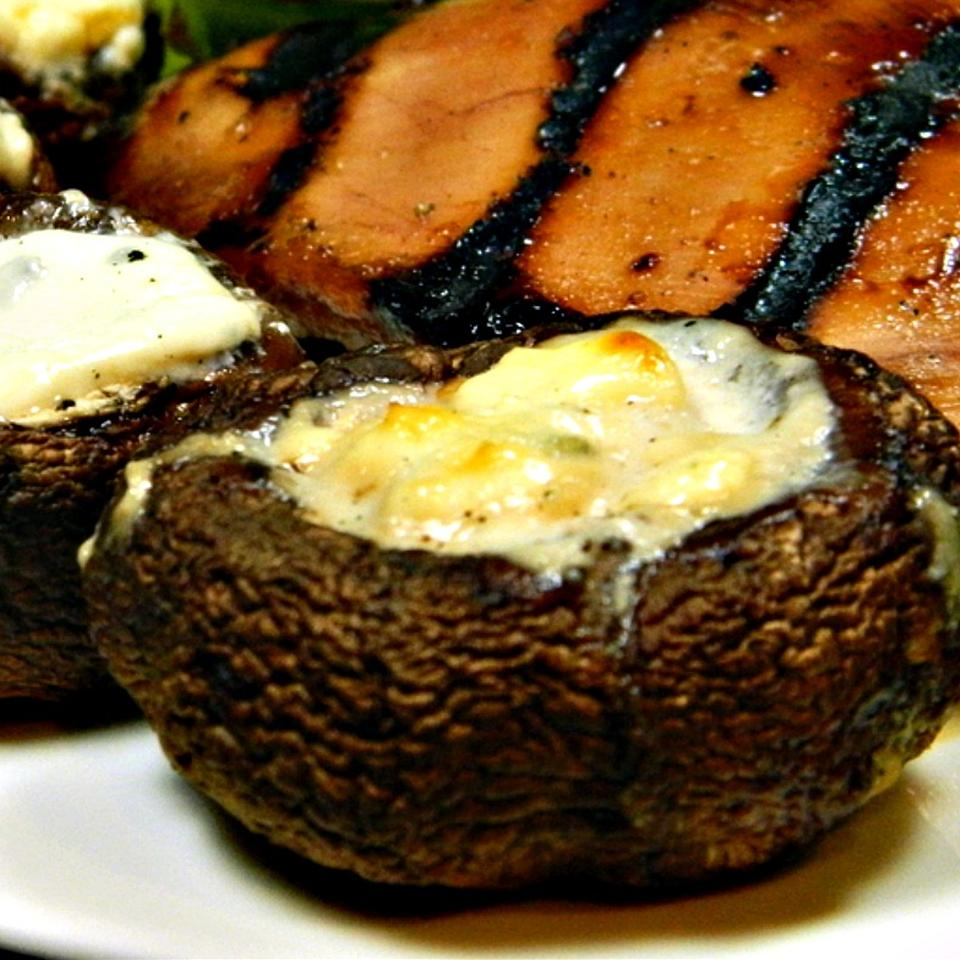Grilled Portobello Mushrooms with Blue Cheese Marianne