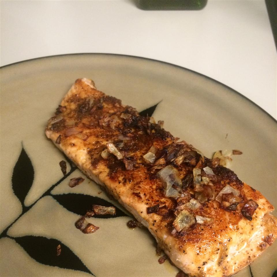 Spicy Salmon with Caramelized Onions livewire17