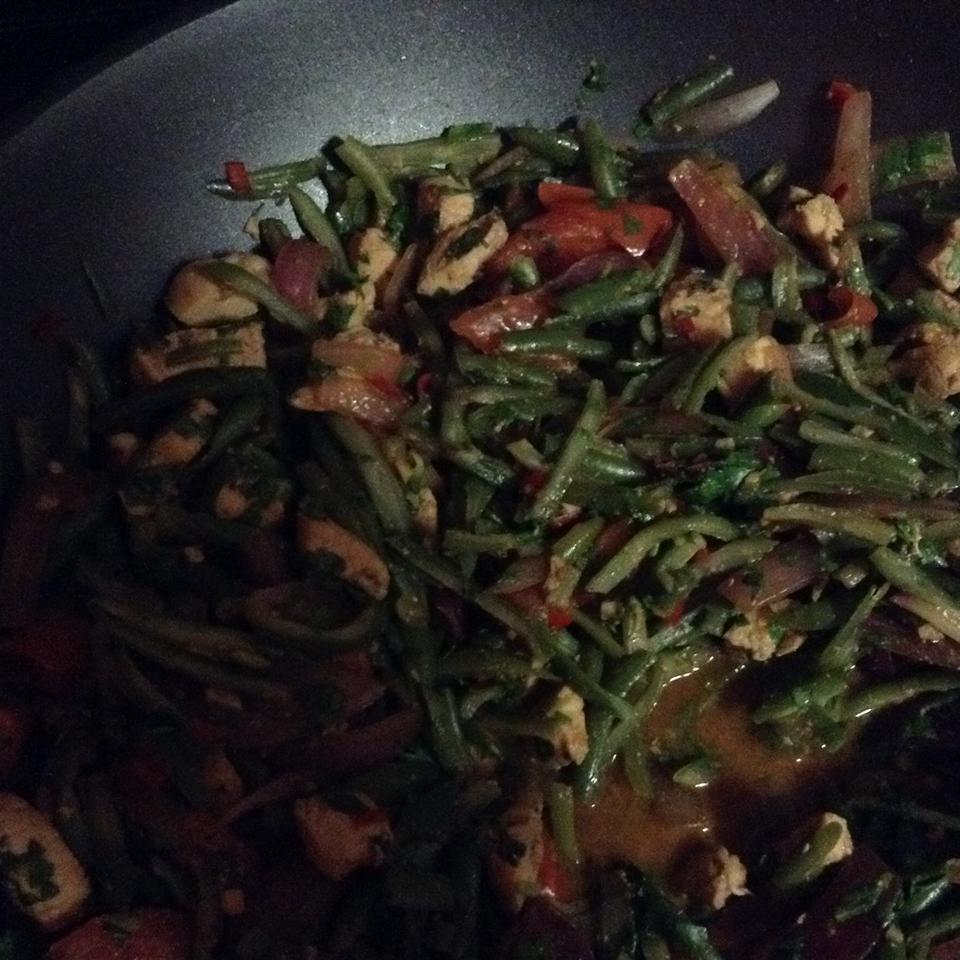 Saltado de Vainitas (Peruvian Green Beans with Chicken) Josemanuel