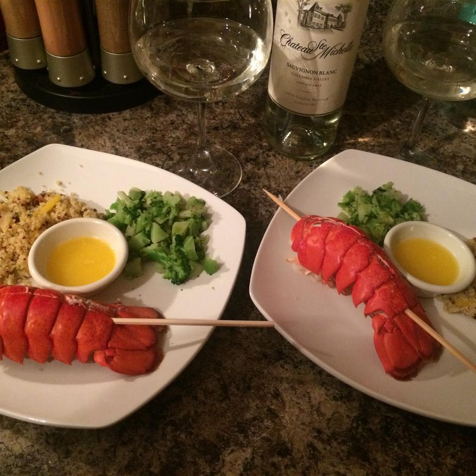 Lobster Tails Steamed in Beer se7enkarats