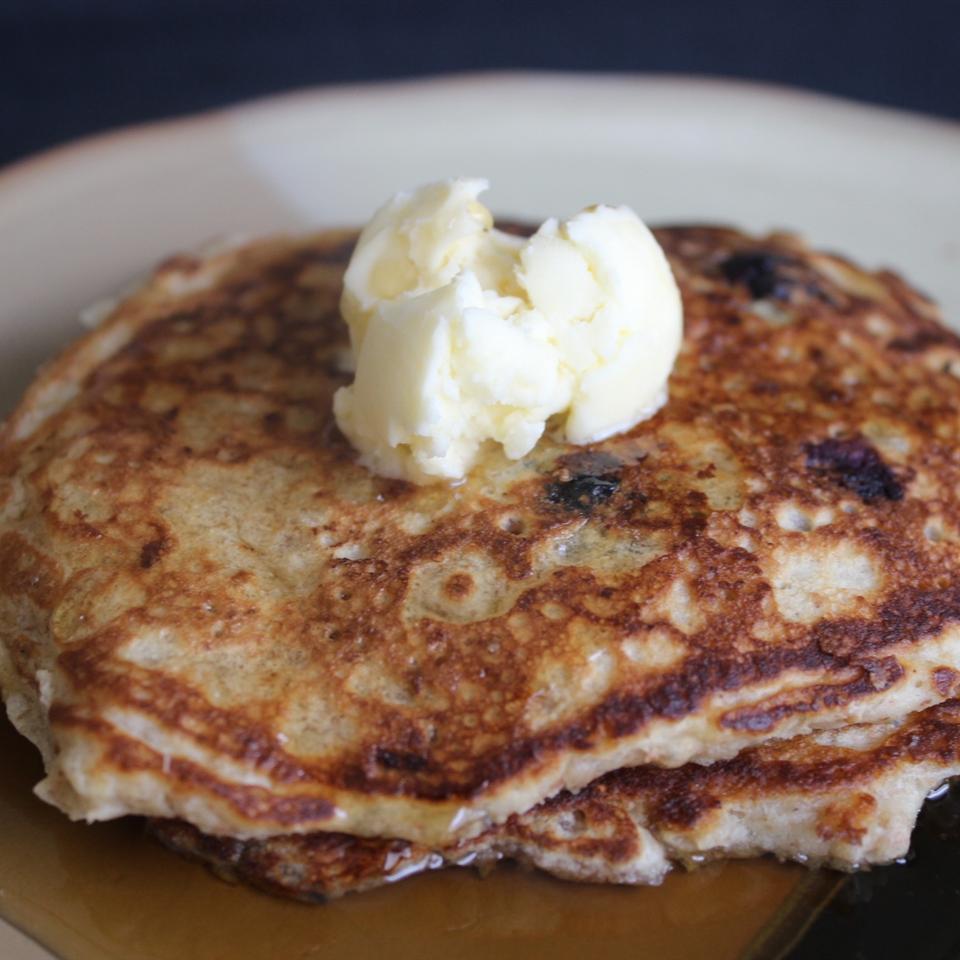 Oatmeal and Wheat Flour Blueberry Pancakes