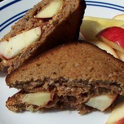 Peanut Butter, Bacon and Apple Sandwiches pomplemousse