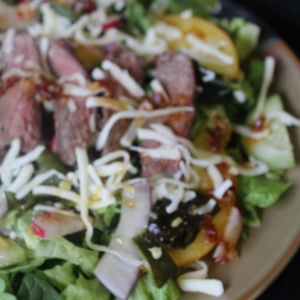Grilled Pepper Steak Salad mommyluvs2cook
