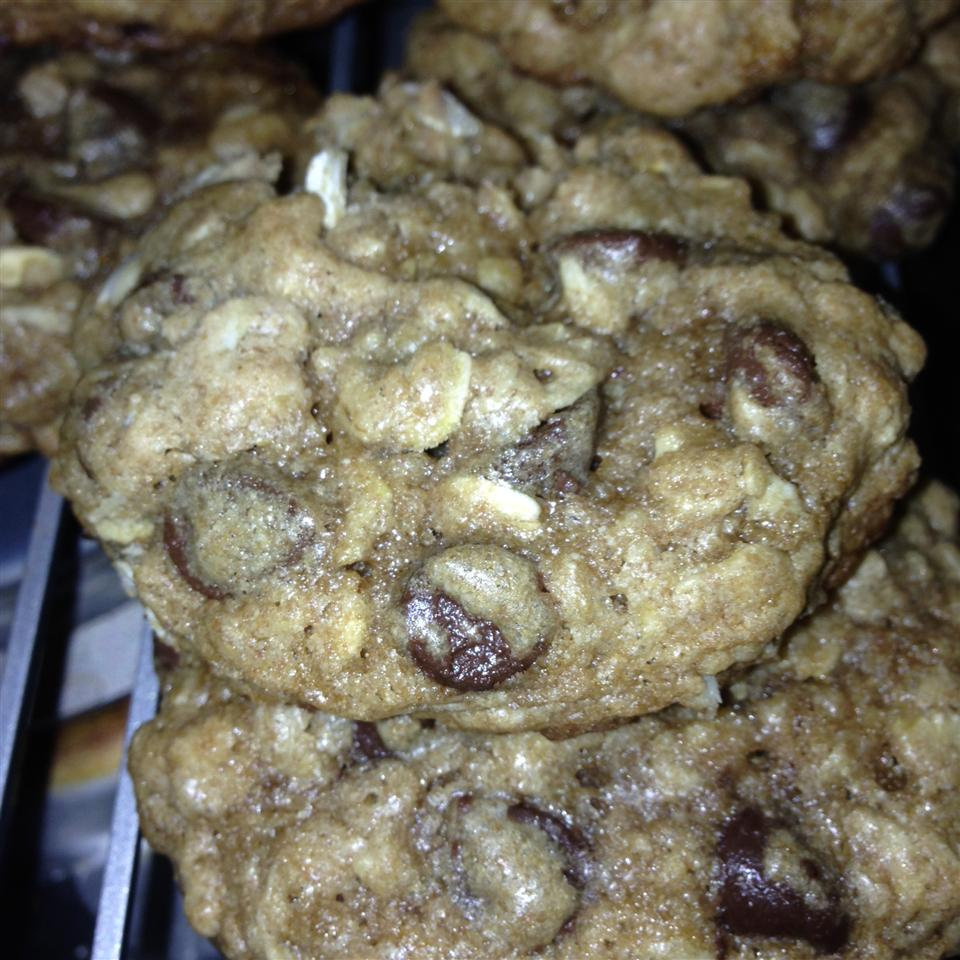 Chocolate Chip Oatmeal Cookies L. alexander