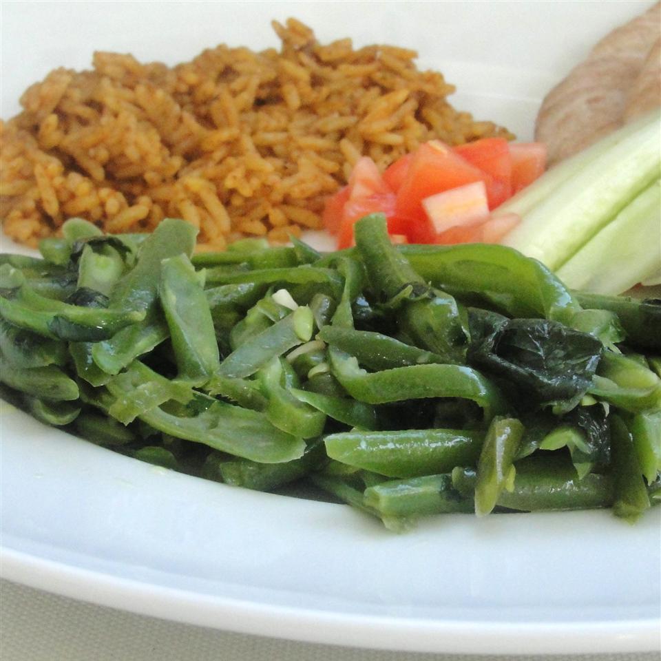 Fasoliyyeh Bi Z-Zayt (Syrian Green Beans with Olive Oil) Tasneem