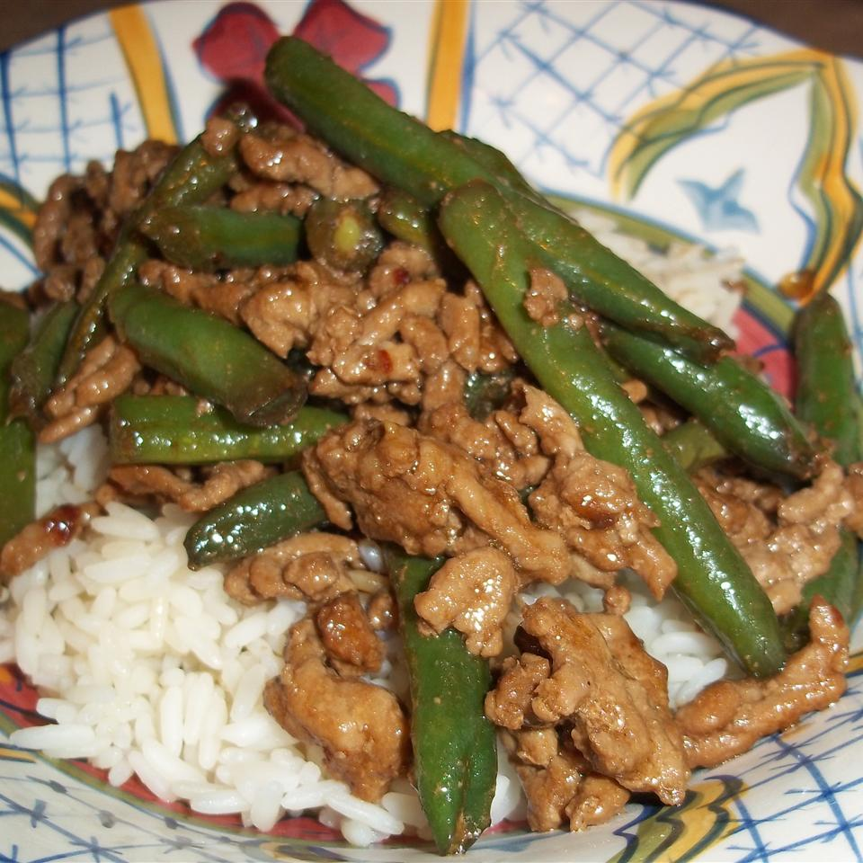 Kicked-Up Ground Pork with Green Beans mihart.m