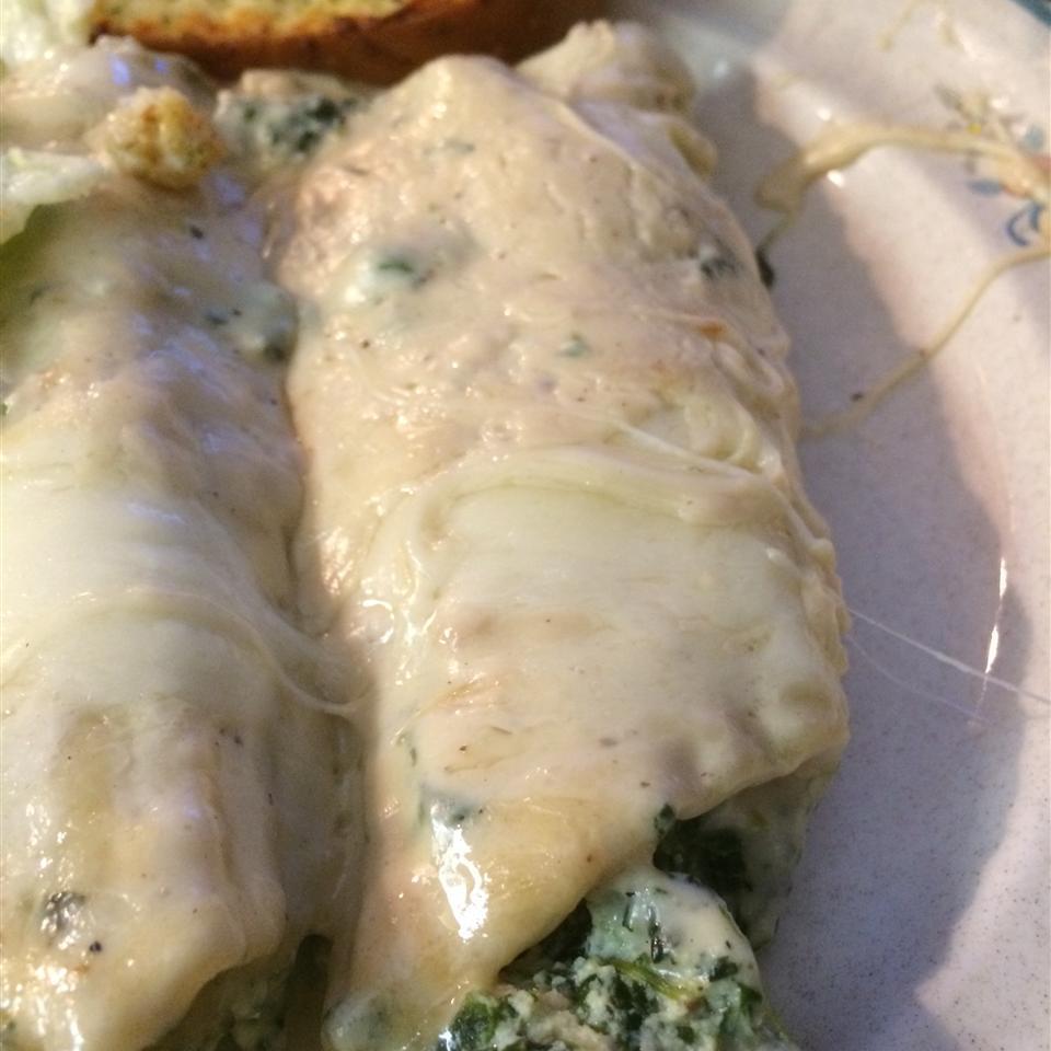 Chicken Manicotti Alfredo Holly cooks