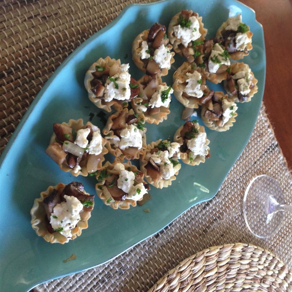 Mini Mushroom and Goat Cheese Tarts Stace