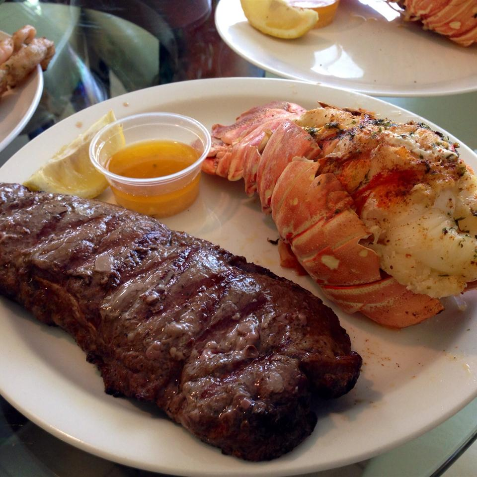 Broiled Lobster Tails Annie