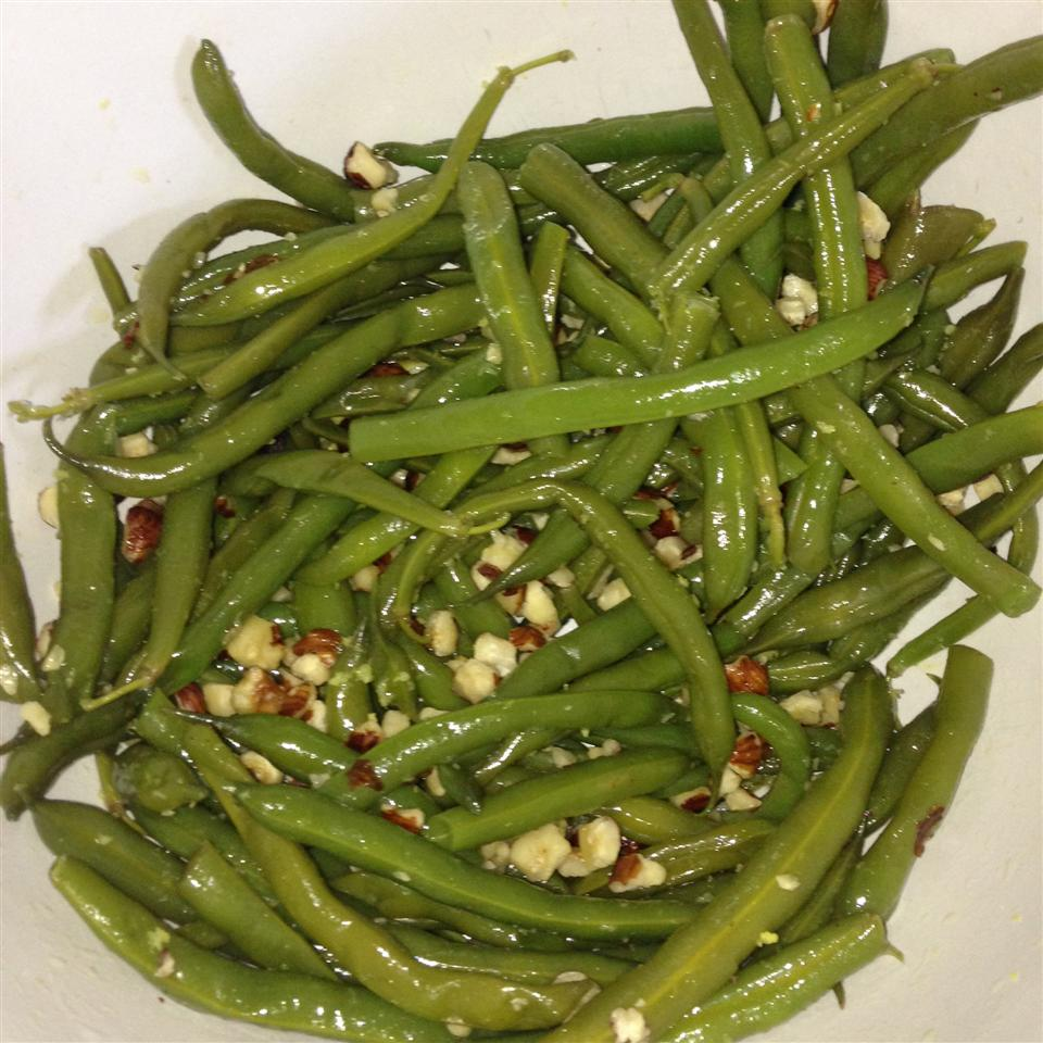Green Beans with Hazelnuts and Lemon travis