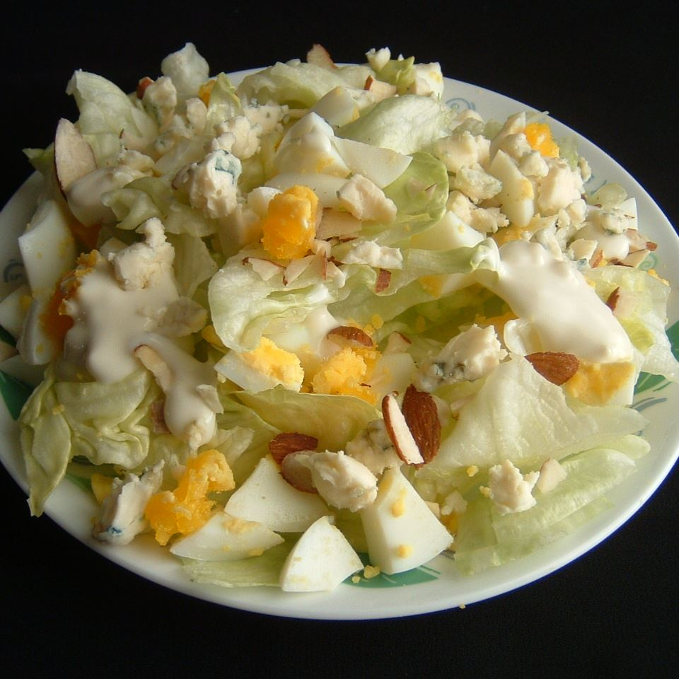 harvest salad from oikos
