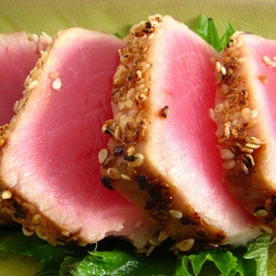 Grilled Macadamia-Crusted Tuna with Papaya Salsa