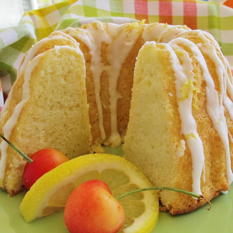 Quick and Easy Summer Limoncello Cake naples34102