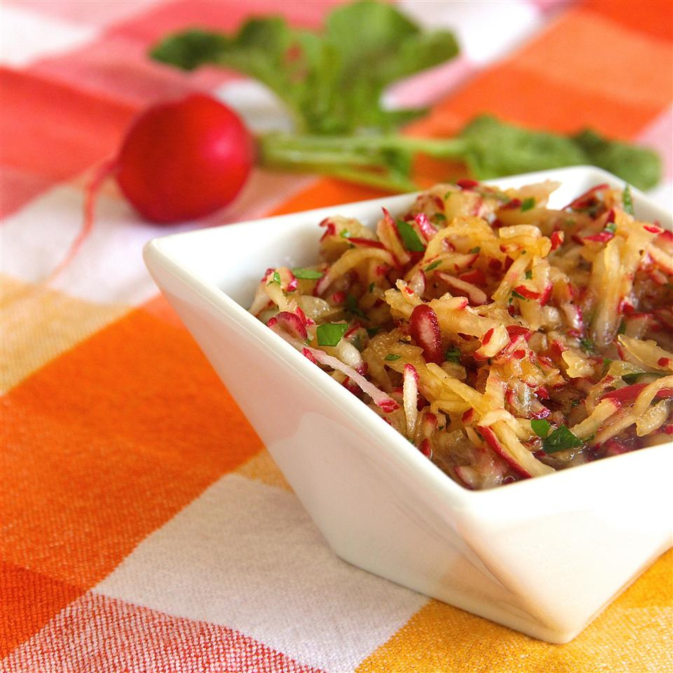 Ultra-Simple and Delicious Red Radish Salad