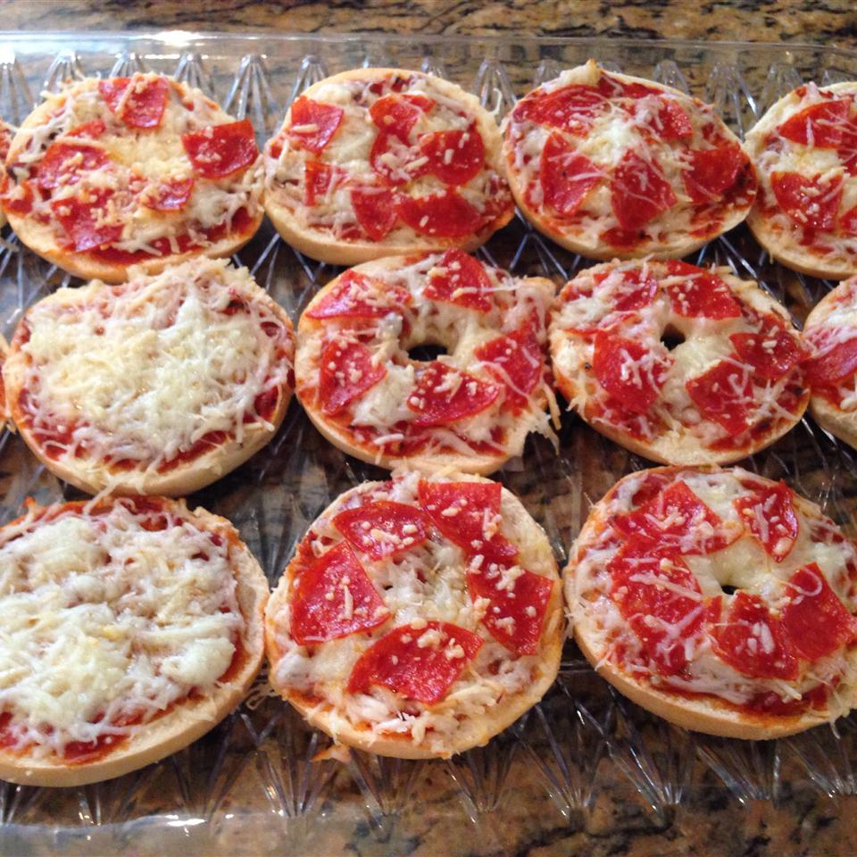 Easy Mini Bagel Pizzas