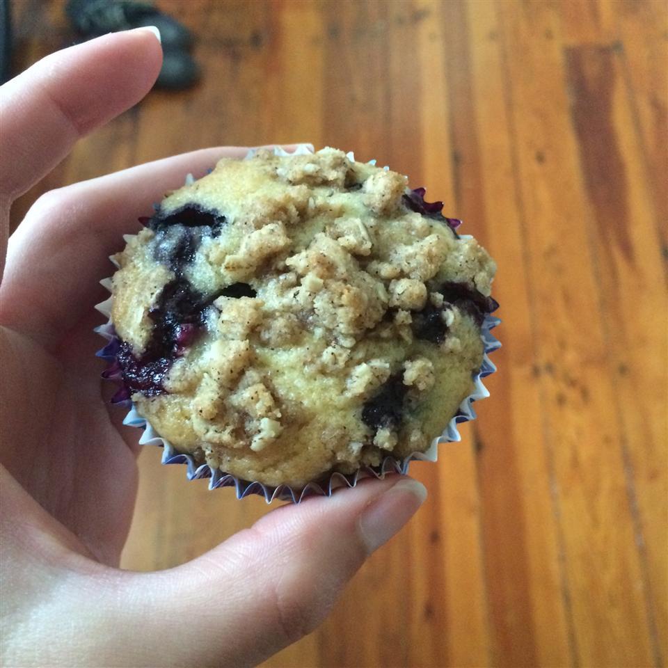 Blueberry Crumb Muffins Lauraaah