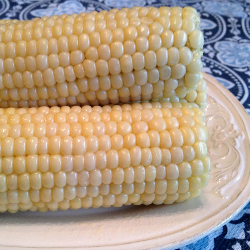 Corn On The Cob (Easy Cleaning and Shucking) Happyschmoopies