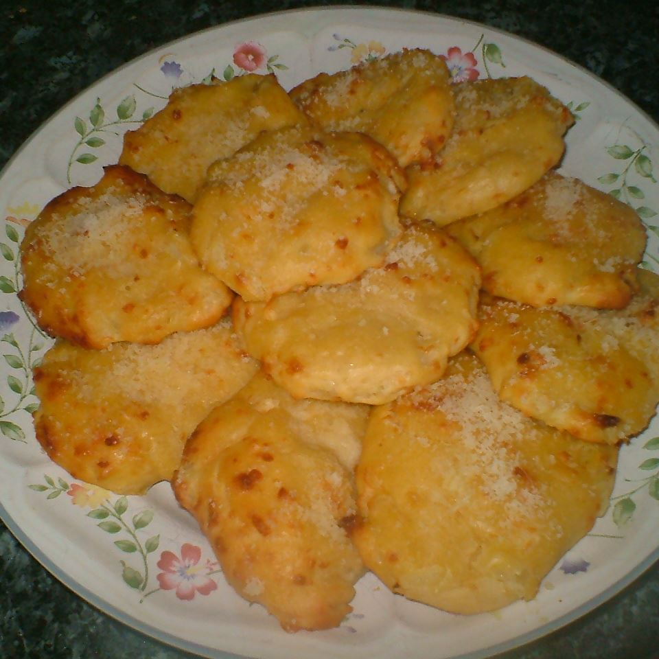 Cheese Garlic Biscuits II ELLEN666