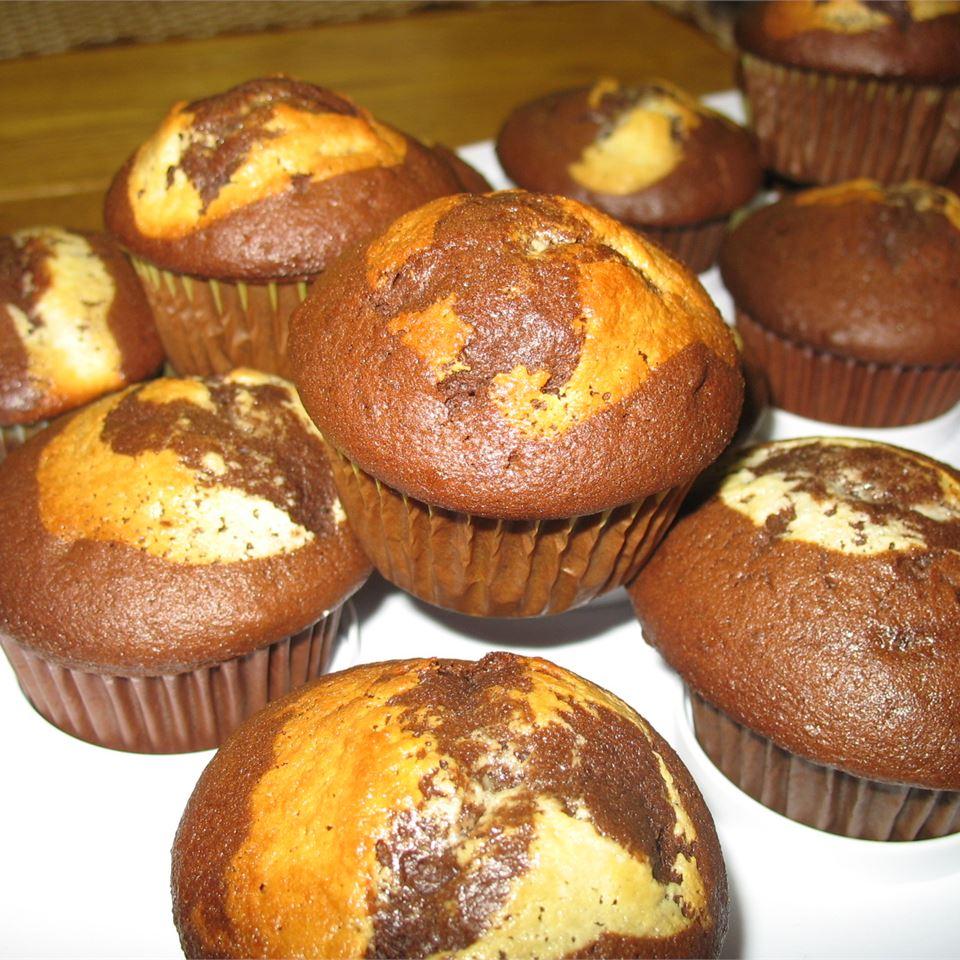 Self-Filled Cupcakes II Cathy