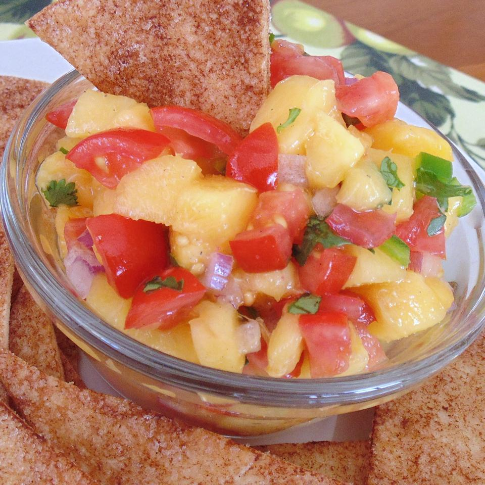 Fresh and Simple Peach Salsa with Cinnamon Sugar Chips Christina